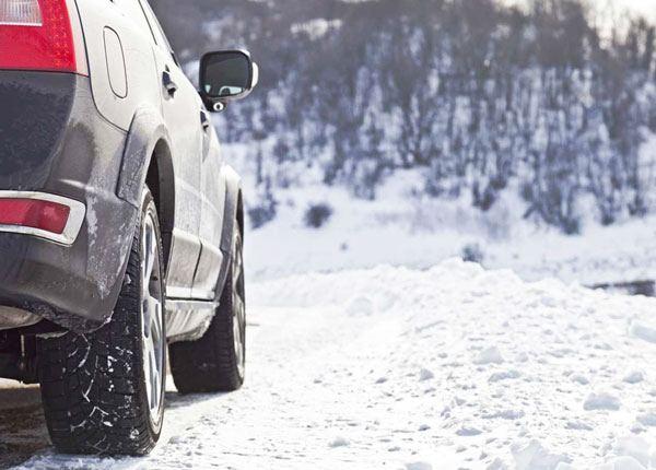 Manejar con Nieve y Hielo
