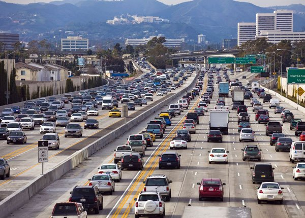 Lidiar con Tráfico Pesado en las Autopistas