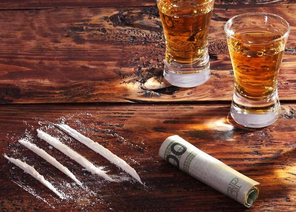 Los Efectos de Combinar Drogas y Alcohol