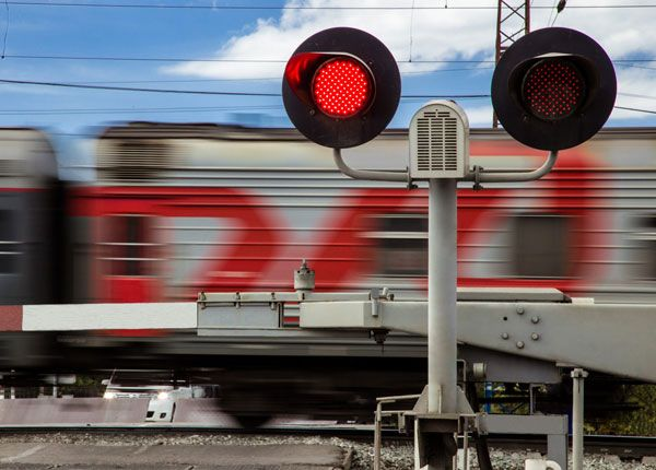 Right of Way Rules at Railroad Crossings