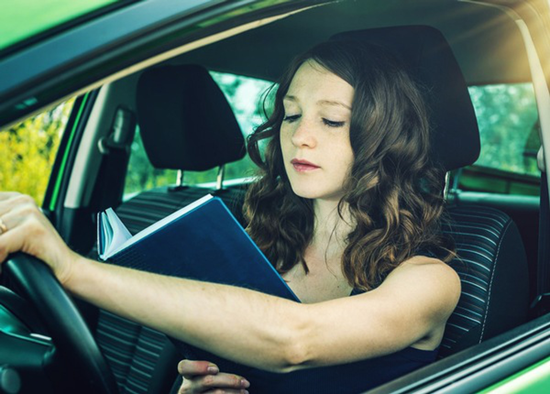 Distracted Driving - Reading Behind The Wheel