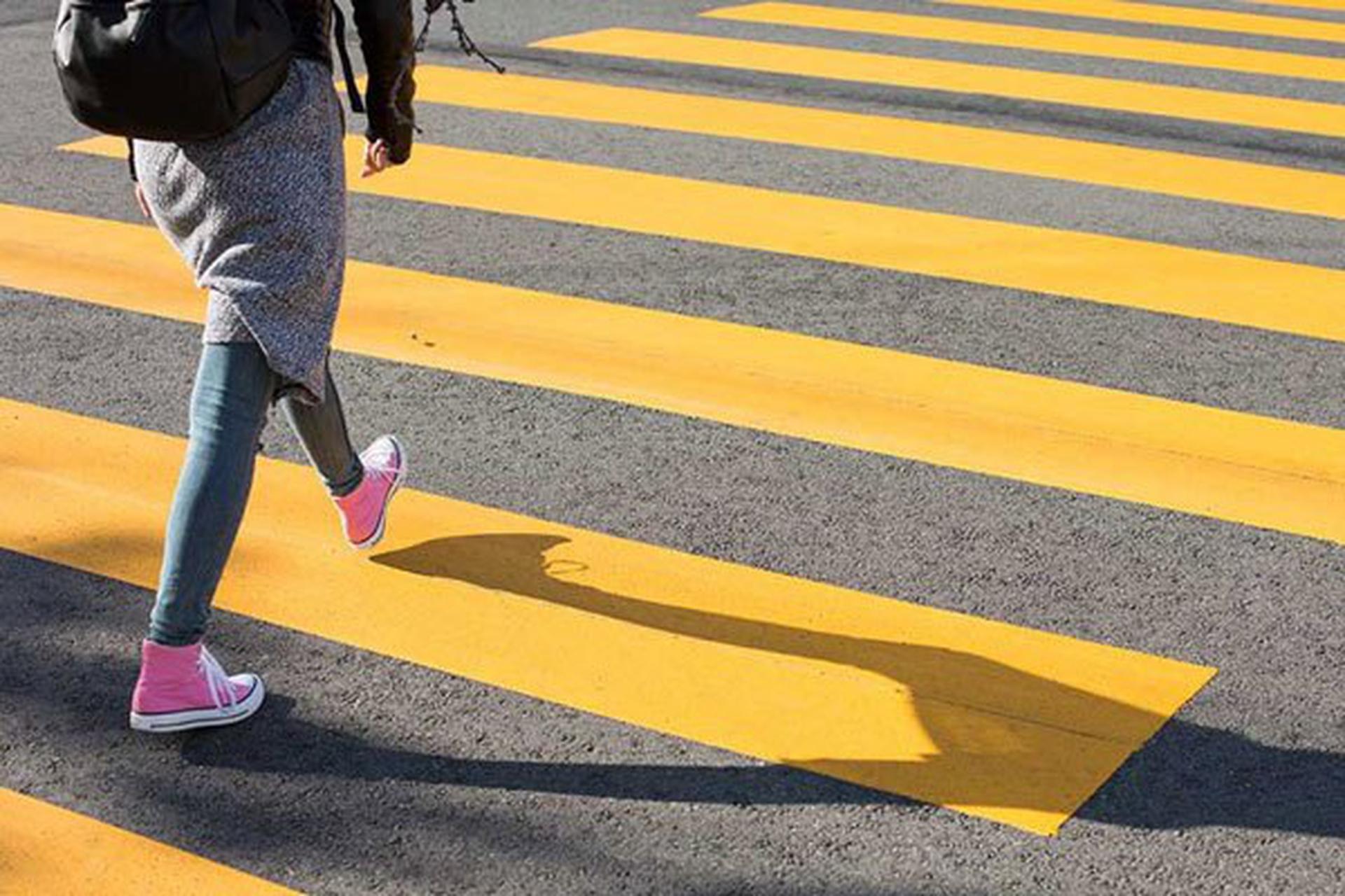 Right of Way Rules at Pedestrians Crosswalks